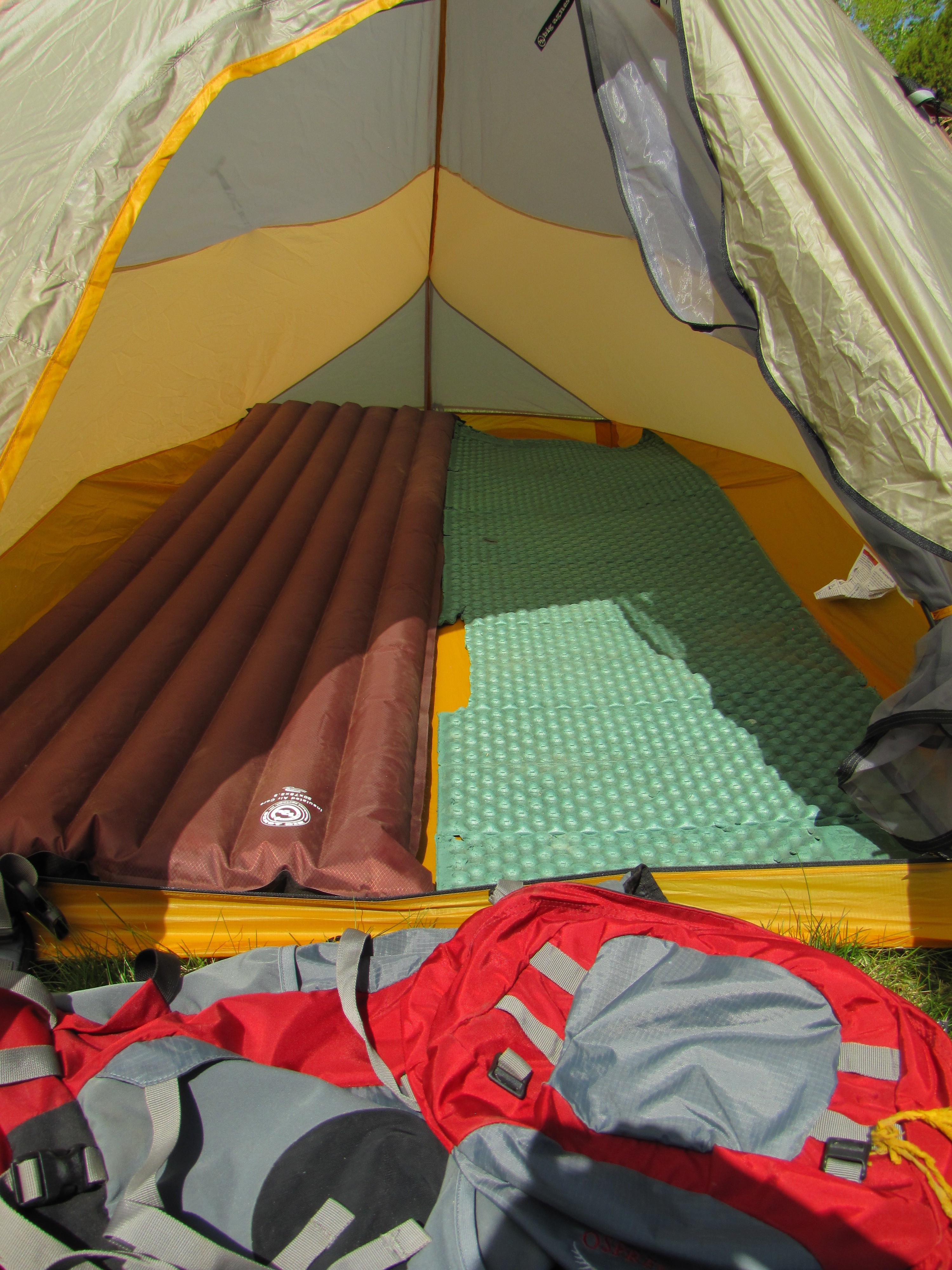 Yes we have gotten our moneyu0027s worth out of that old z-rest. The other thing to consider if you are thinking about using this tent for 2 people ... & Tarp Tent Double Rainbow | No I Will Not Carry That Rock